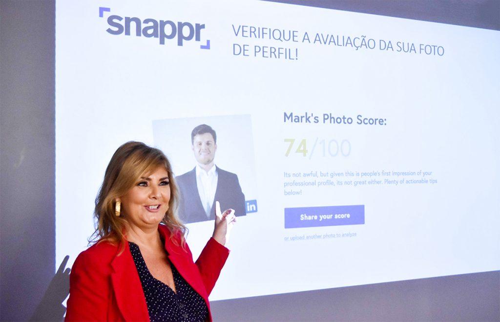 Vera Lorenzo, CEO e Executive Coach da Fala Company, durante a palestra de Social Selling.